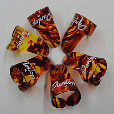 Dunlop 9010R Shell Medium Plastic Fingerpicks (12-Pack)