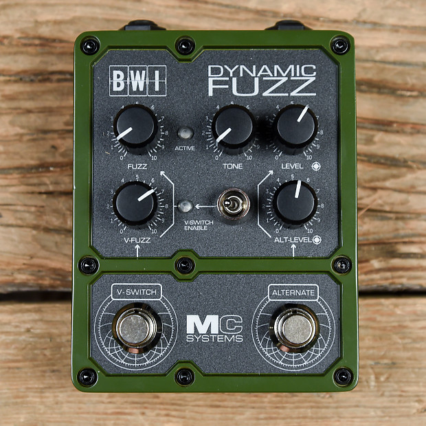 MC Systems BWI Dynamic Fuzz MINT | Chicago Music Exchange