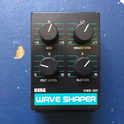 Super rare Korg KWS-301 Wave Shaper Effect Module (PWE-40X fuzz/distortion) for sale