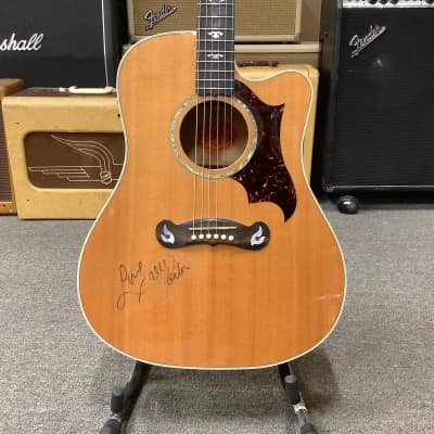 Gibson Dove Artist Prototype Signed by Dolly Parton! for sale