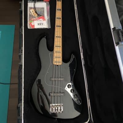 Fender American Deluxe Jazz Bass w/ Maple Fretboard Black 2011 for sale