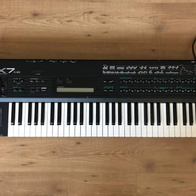 Yamaha DX7IID 61-Key 16-Voice Digital Synthesizer