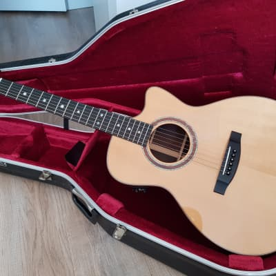 Lakewood M-32 CP Deluxe Series Grand Concert, European Spruce & Rosewood w/ Cutaway and Pickup for sale