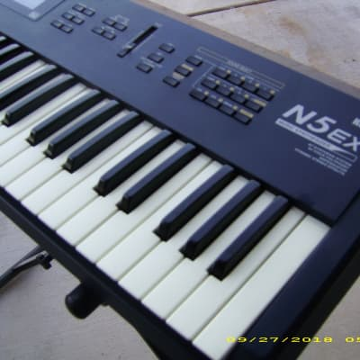 Korg N5EX 61-Key Music Synthesizer/EXCELLENT SHAPE