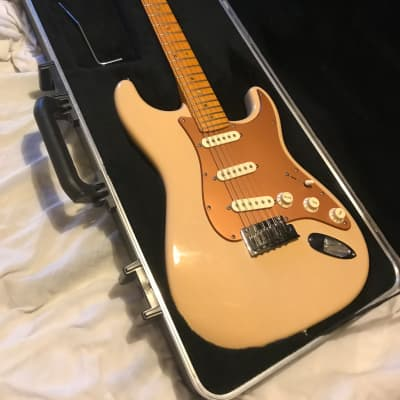 Fender American deluxe Stratocaster  2009 Honey Blonde for sale