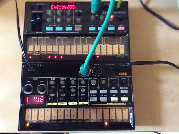 Korg Volca Fm + volca beats modified: midi out, snare mod