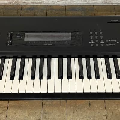 Korg M1 61-Key Synth Music Workstation  Local pickup only in Milwaukee WI