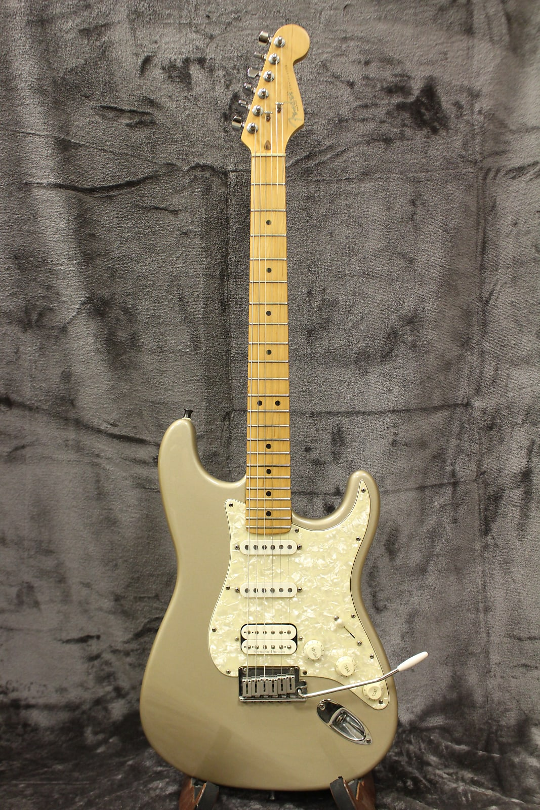 Fender US Lone Star Stratocaster 1996 Shorline Gold with Original Vintage Style Hardshell Case