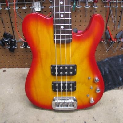 G&L ASAT Bass 1994 Cherry Sunburst
