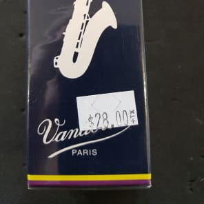 Vandoren SR2225 Traditional Bb Tenor Sax Reeds - Strength 2.5 (Box of 5)