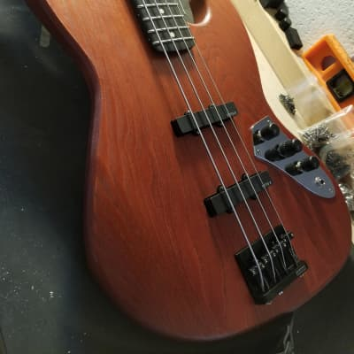 TW Basses VC-J - Active pickup & EQ, Red mahogany for sale