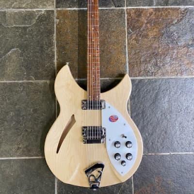 Rickenbacker 330/12 Mapleglo for sale