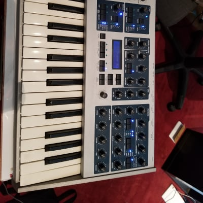 Access Virus Indigo 37-Key Digital Synthesizer 2000s White