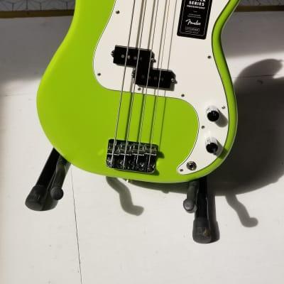 Fender FSR Player Precision Bass 2019 in Electron Green