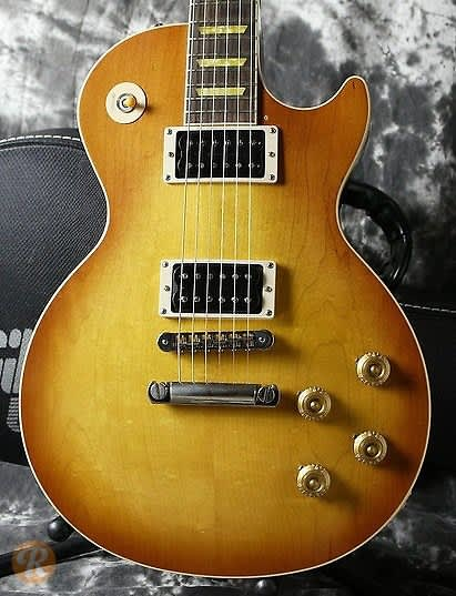 gibson les paul classic 2004 honeyburst price guide reverb. Black Bedroom Furniture Sets. Home Design Ideas