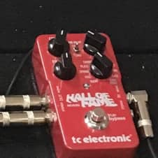 TC Electronic Hall of fame reverb  Red