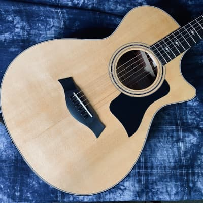 Taylor 312ce Grand Concert Natural Sitka Spruce Top Sapele Body - Authorized Dealer