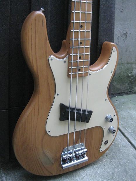1980 39 s peavey t 20 electric bass guitar w original case reverb. Black Bedroom Furniture Sets. Home Design Ideas