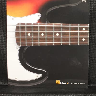 Bass Scale Finder: Easy-to-Use Guide to Over 1,300 Scales (Hal Leonard Bass Method)