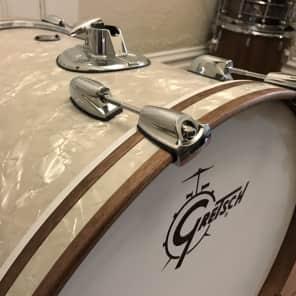 """Gretsch Renown Maple Series 18x22"""" Bass Drum"""