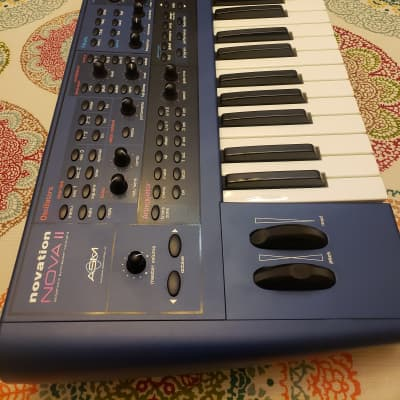 NOVATION NOVA II XL 36 VOICES Blue
