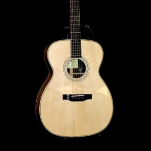 Eastman E20OM Orchestra Traditional Flattop Natural