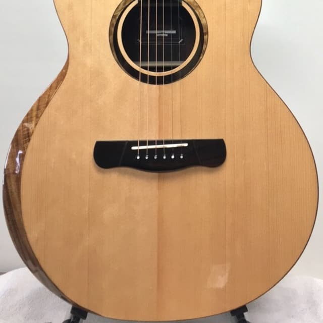 "Merida 41"" solid spruce and rosewood ""Cupid"" cutaway  Acoustic-Electric Guitar with beveled arm rest image"