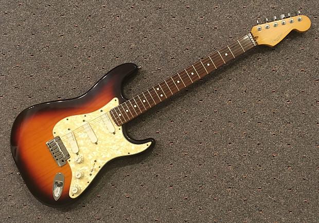 1998 Fender Strat Plus Deluxe w/OHSC  Awesome Sunburst Stratocaster, Lace  Sensor Pickups, NEAR-MINT