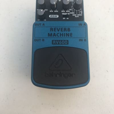 Behringer RV600 Reverb Machine Digital Stereo Echo Rare Guitar Effect Pedal for sale