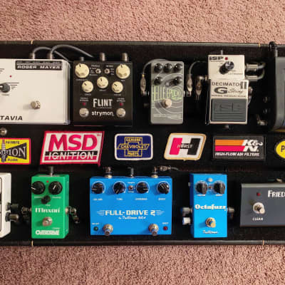 Tonesnob Pedalboard with Pedal Power 2 Plus/D'Addario Solderless Cable Kit, Roadcase & extras