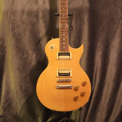 Xaviere Les Paul style Natural