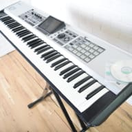 Roland Fantom X7 keyboard synthesizer Awesome!-used 76 key piano for sale