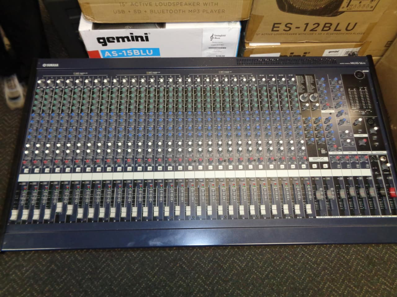 used yamaha mg32 14fx mixing console non powered mixer reverb. Black Bedroom Furniture Sets. Home Design Ideas