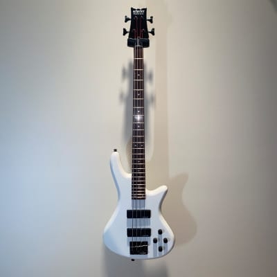 Schecter Guitar Diamond Series Stiletto Deluxe Stage-4 Electric Bass Guitar Gloss White