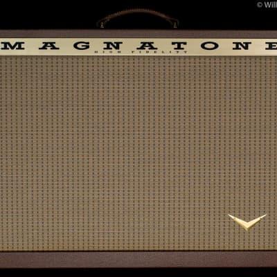 Magnatone Traditional Series 2x12 Guitar Amp Cabinet