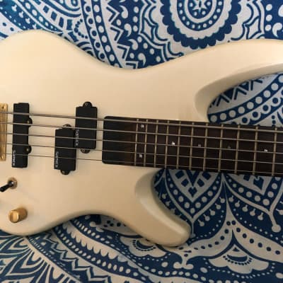 Samick Saturn 5 Electric Bass 5 String Active/Passive Electronics for sale