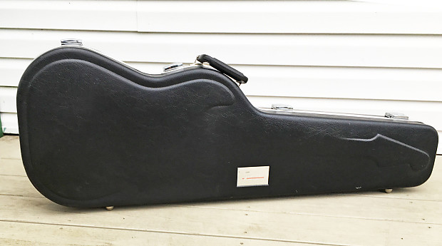 1990s fender strat plus electric guitar case for stratocaster reverb. Black Bedroom Furniture Sets. Home Design Ideas