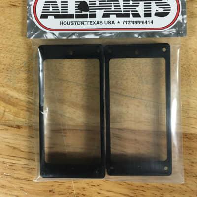 Allparts PC-0733-023 CURVED NECK AND BRIDGE HUMBUCKING PICKUP RING SET Black