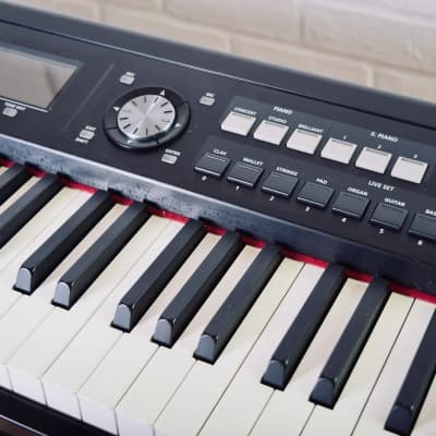 Roland RD-700NX 88-Key Piano keyboard synthesizer in excellent condition