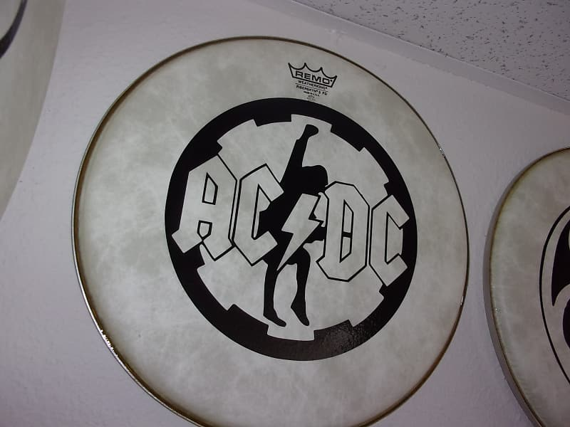 8076c93f4cda9 AC DC