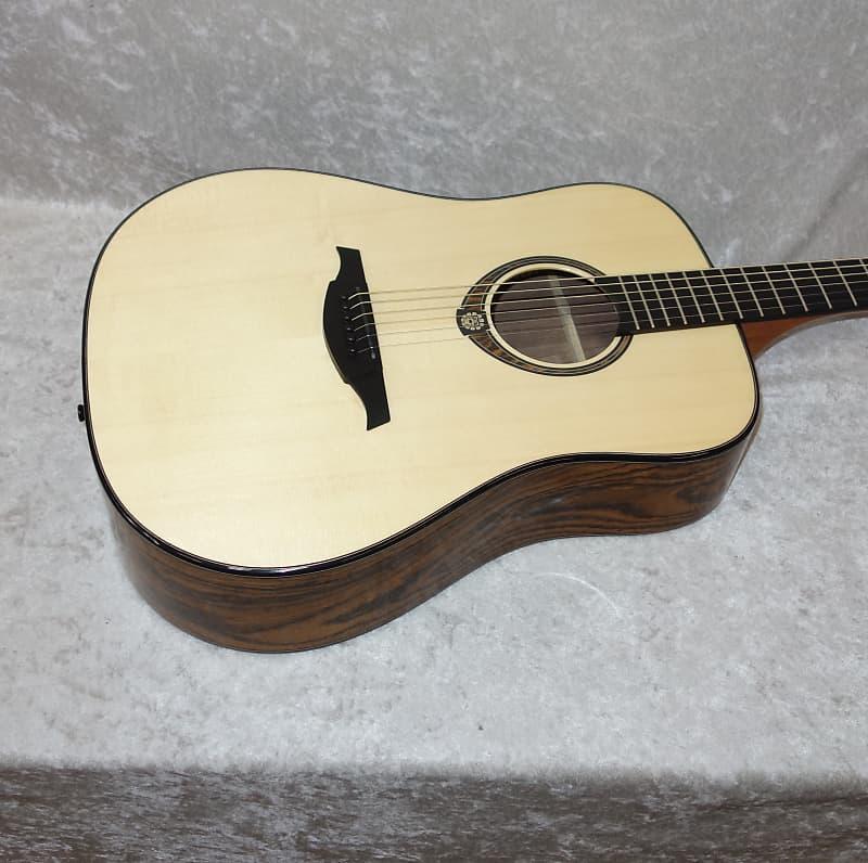 lag tse701d se snakewood dreadnought guitar with hardshell reverb. Black Bedroom Furniture Sets. Home Design Ideas