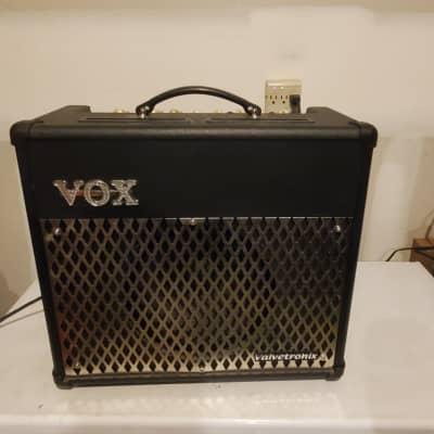 Vox VT-30 Black Guitar Amplifier
