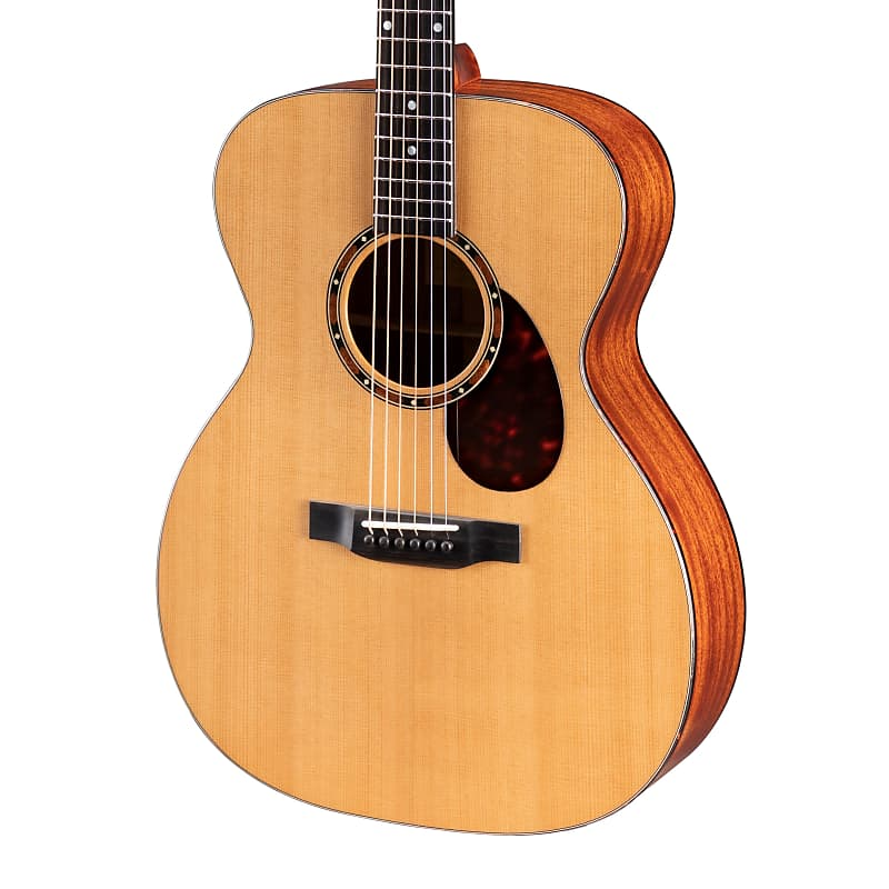 Eastman E2OM Solid Cedar / Sapele Orchestra Model Acoustic Guitar Natural w/ Gi