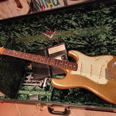 Fender Custom Shop Masterbuilt Limited Edition Greg Fessler 64 Sparkle Gold Relic