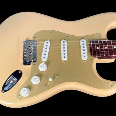2020 Fender Stratocaster American Pro Limited Edition Strat w Solid Rosewood Neck ~ Desert Sand