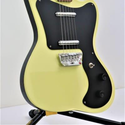 Danelectro 67 Yellow