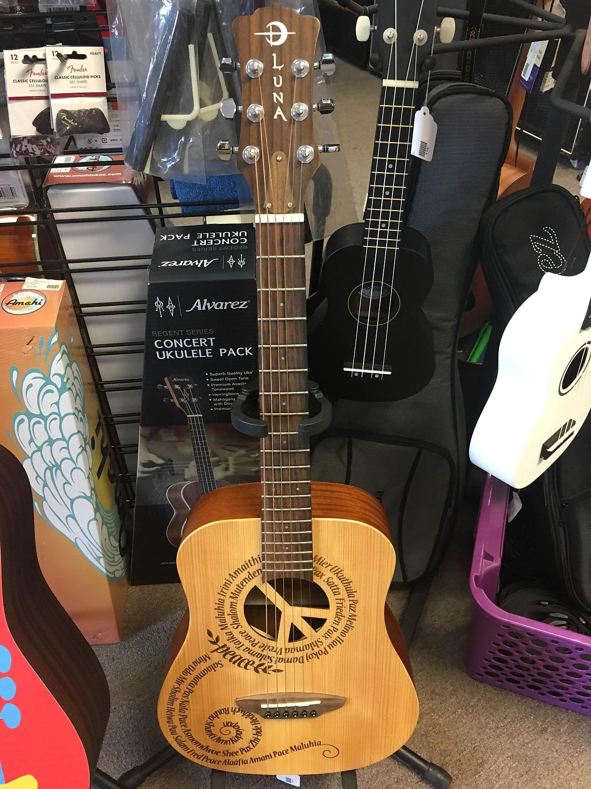 Luna Safari Peace 3/4 Size Travel Acoustic Guitar Natural