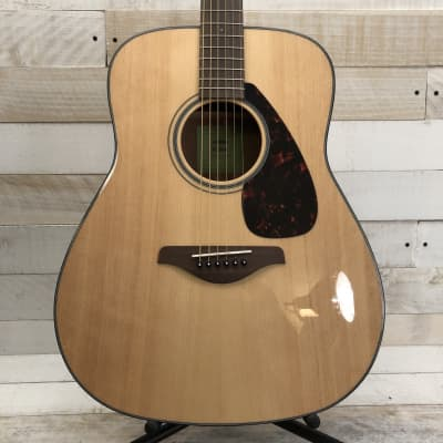 Yamaha FG800 Solid Spruce Dreadnought Acoustic Guitar Natural
