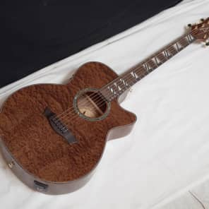 Dean PE QMAH Performer Quilt Mahogany Acoustic-Electric Guitar Natural