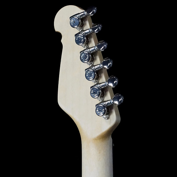 Michael Tuttle Guitars   Soundpure.com